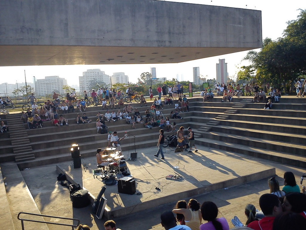 Musical island in Parque Villa Lobos SP © Everton 1984/Wikimedia Creative Commons