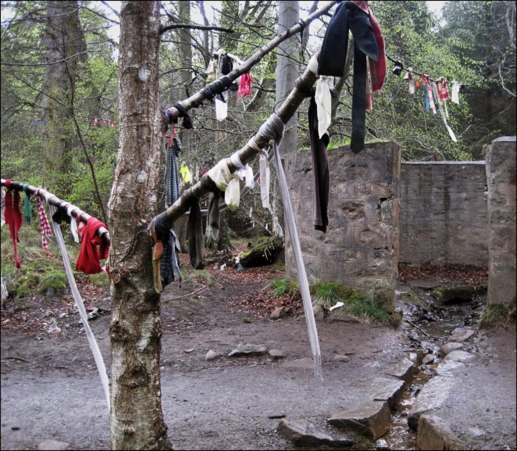 Clootie Well in Culloden Woods | © TedandJen/Flickr