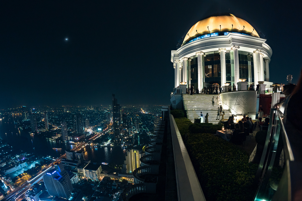Panoramic view over Bangkok skyline from the Scirocco Sky Bar| © pio3/Shutterstock