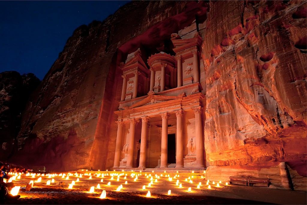 Petra By Night © ju.edu.jo