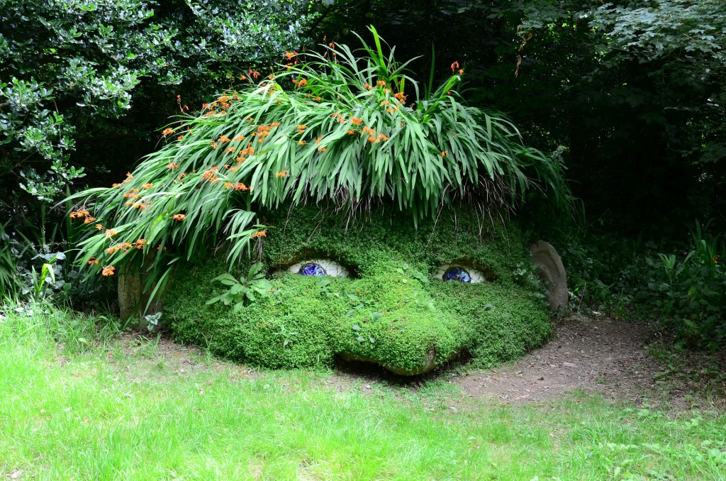 Gnome sculpture at the Lost Gardens of Heligan ©pixabay