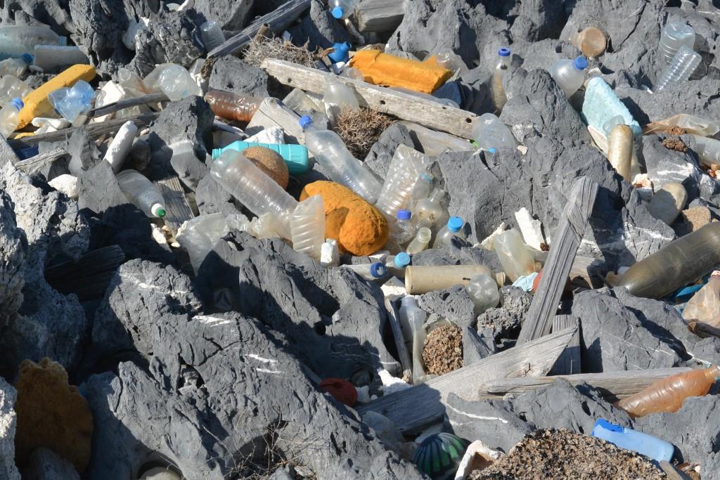 Plastic on the shore, Greece | © Huw Kingston