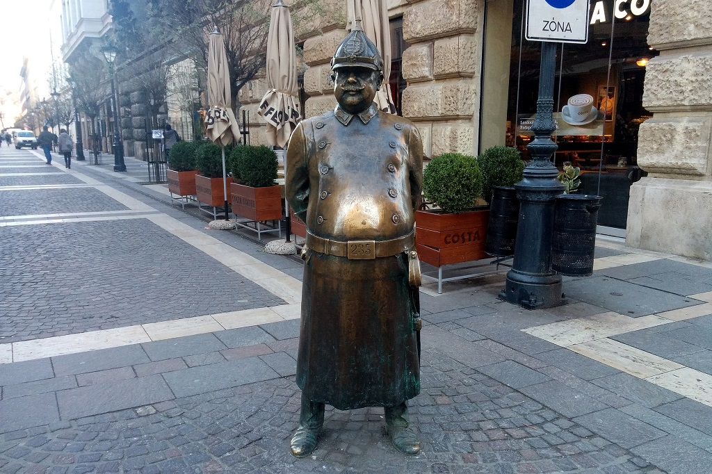 Policeman statue Budapest