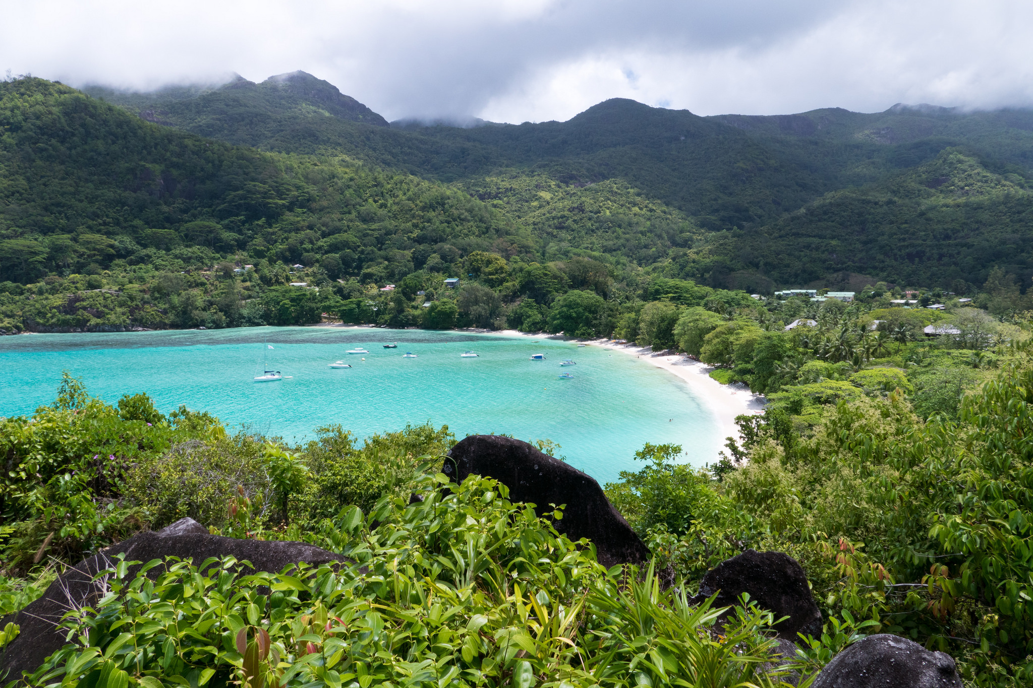 Port Lornay from Constance Ephelia / ©so seychelles / flickr