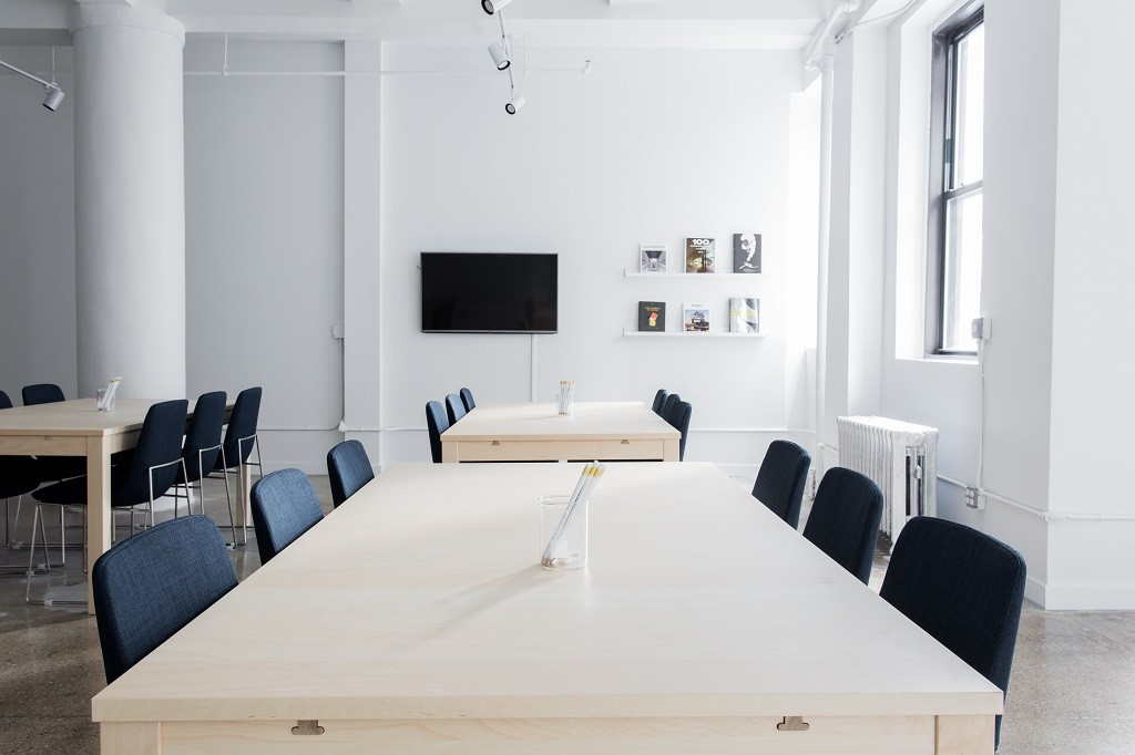 Empty meeting room | © Breather / Unsplash