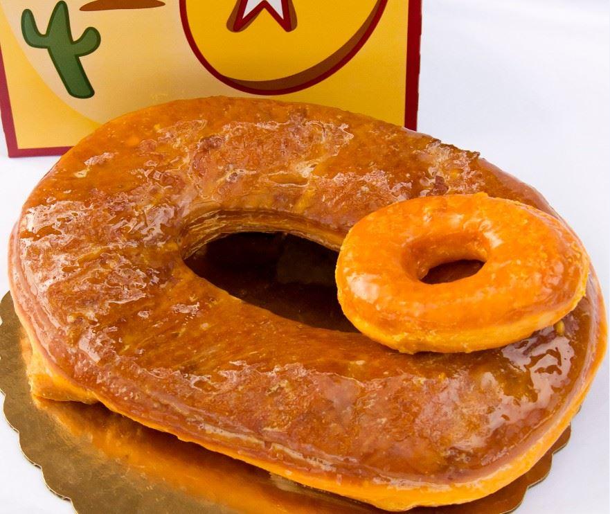 Glazed donut © Round Rock Donuts