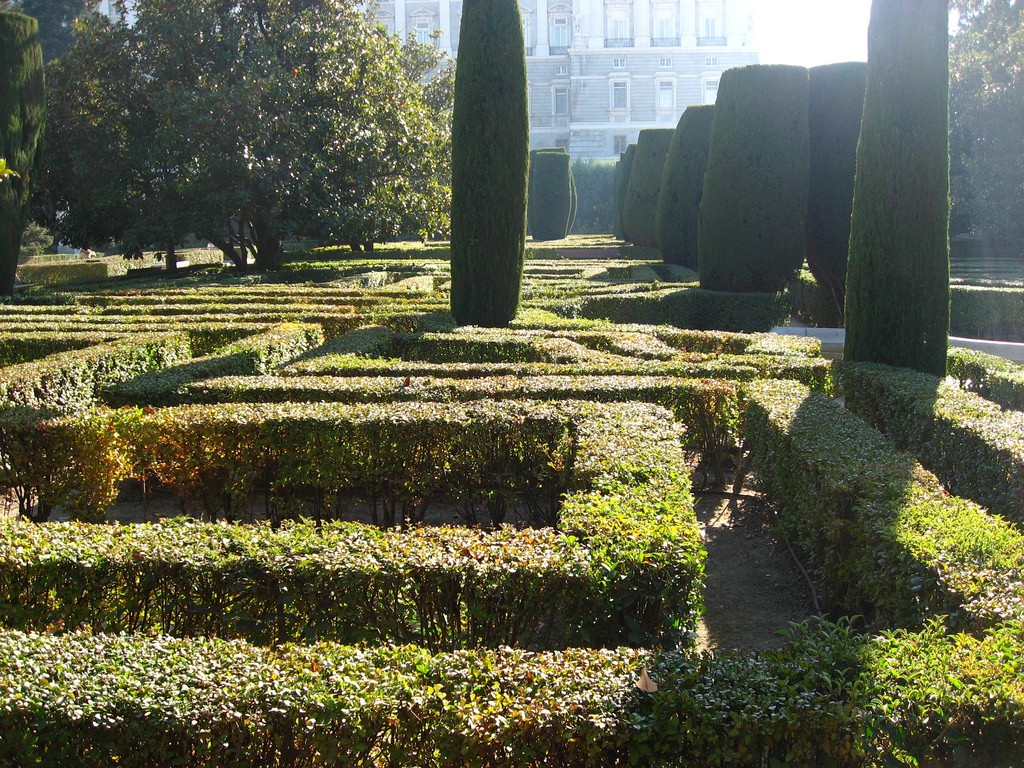 The manicured Sabatini Gardens | © iurikothe/Flickr