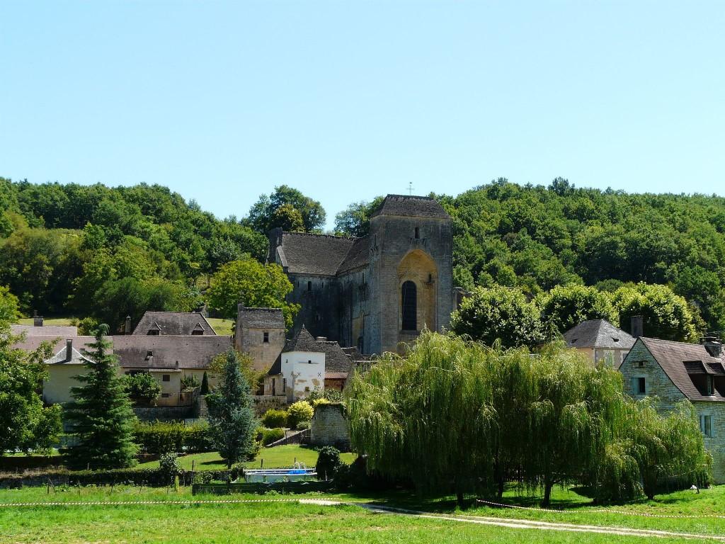 Saint-Amand-de-Coly │© Père Igor / Wikimedia Commons