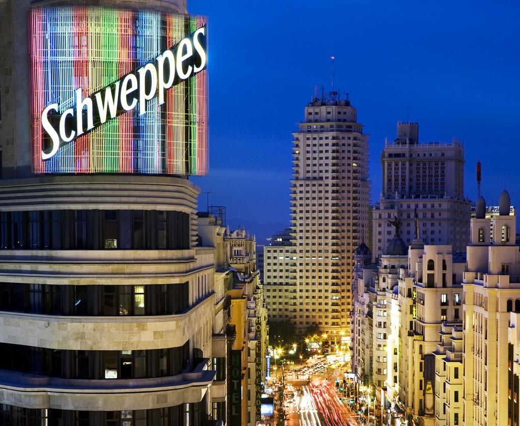 Madrid's Gran Via street and Schwepps building | © José Barea/Madrid Destino Cultura Turismo y Negocio