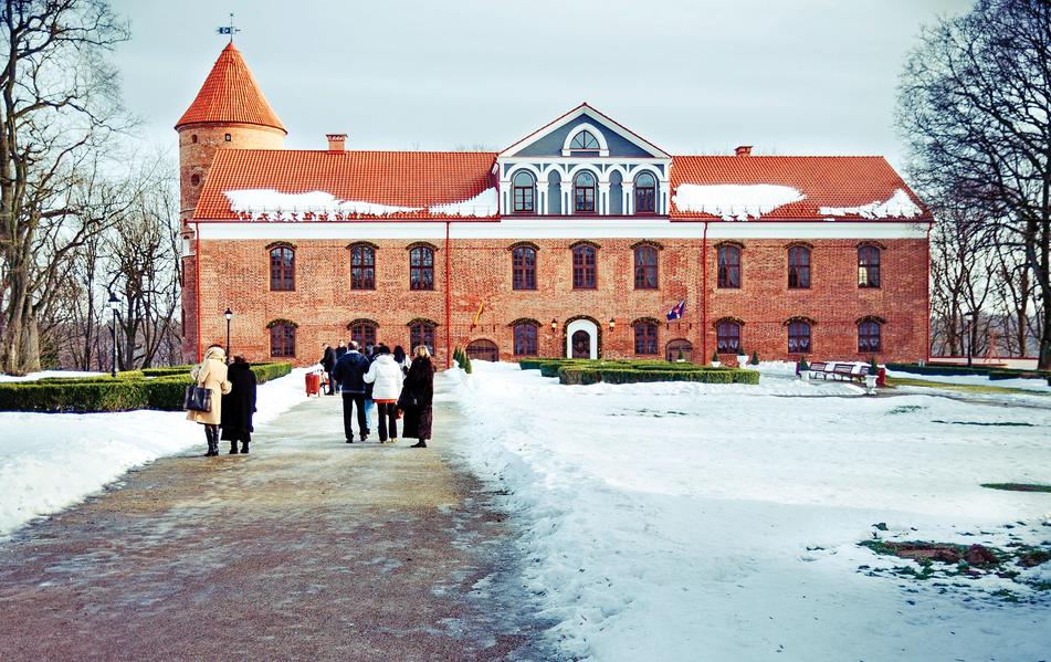 Raudondvario Castle Manor ©Juliux/Wikimedia Commons