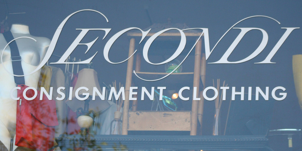Secondi Consignment Clothing is where fashionistas shop for everyday wear and designer duds/©Elvert Barnes/Flickr