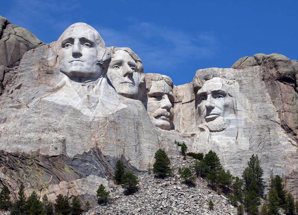 Mt. Rushmore| © critterbiz / Shutterstock