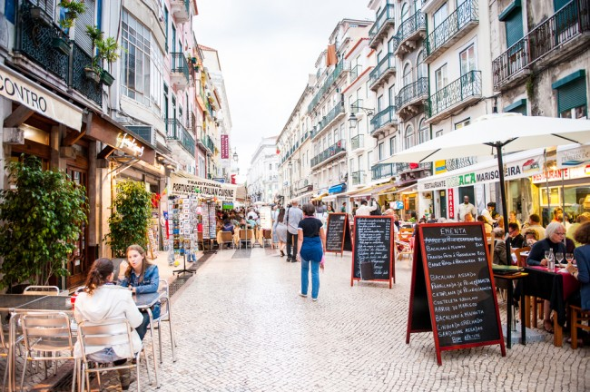 A street of restaurants in Lisbon | © Shutterstock