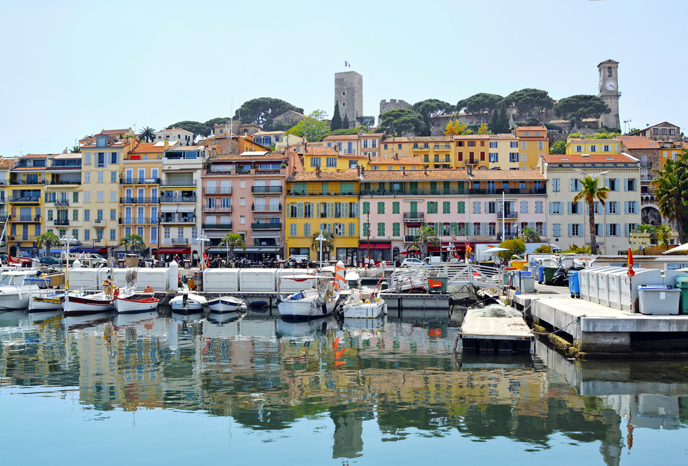 Old city and harbor in Cannes | © MarinaDa/Shutterstock