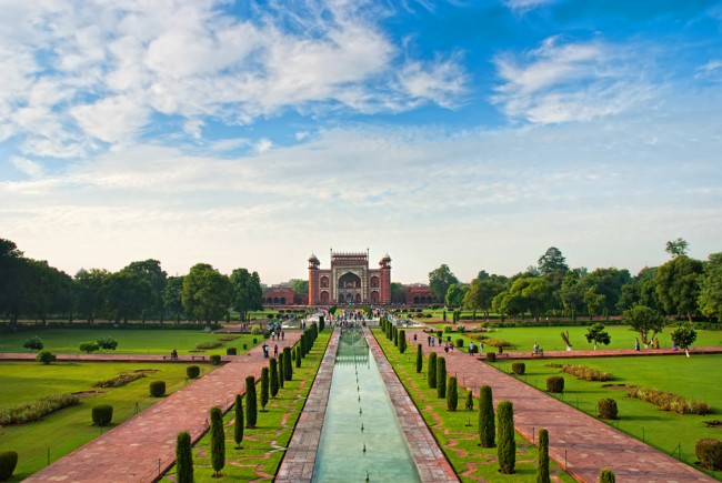 Gardens and the great gate from Taj Mahal | © Olena Tur/Shutterstock