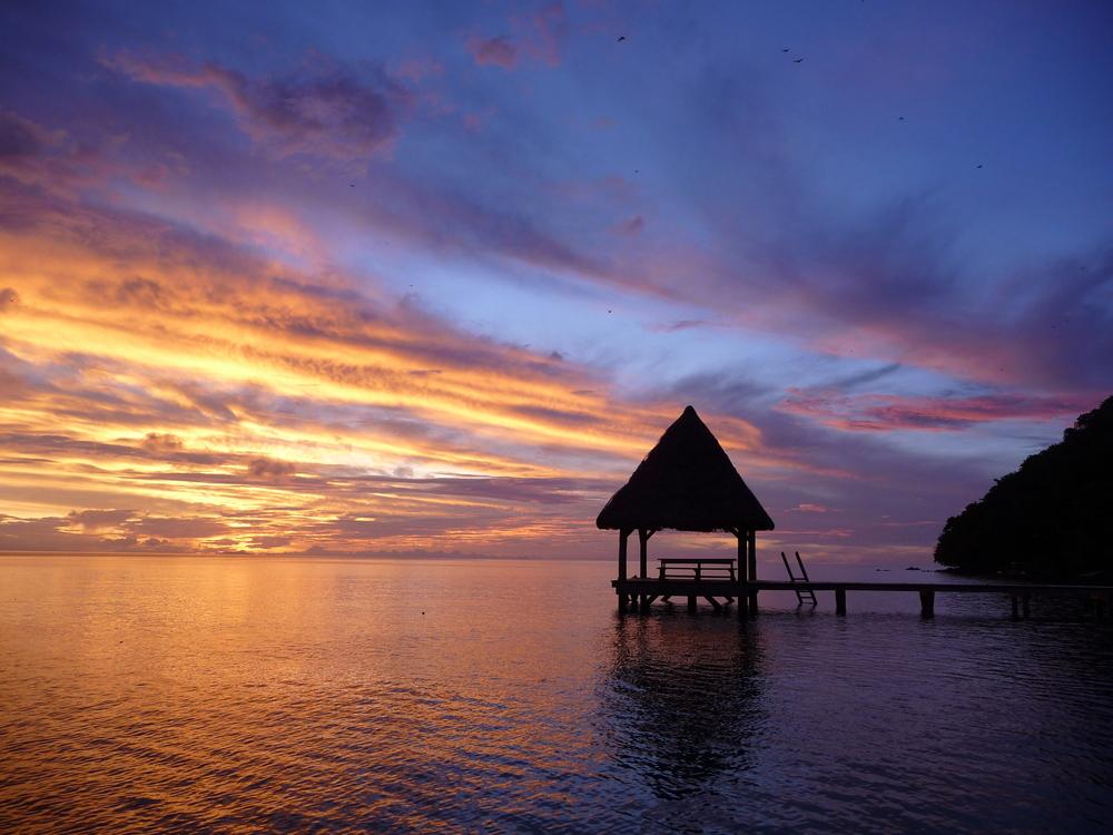 A jetty at sunset in Fiji | © Farhorisonsphotography / Shutterstock