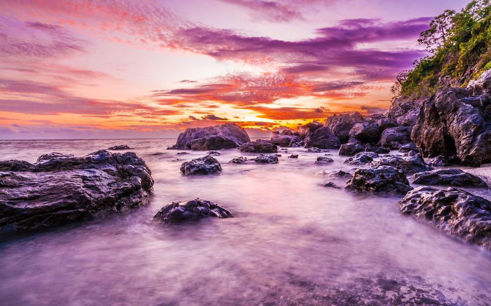 Sunset on the Mamanuca Islands | ©bondjb / Shutterstock