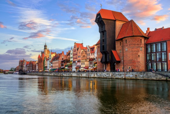 The Zuraw Crane and colorful gothic facades of the old town in Gdansk   © Boris Stroujko