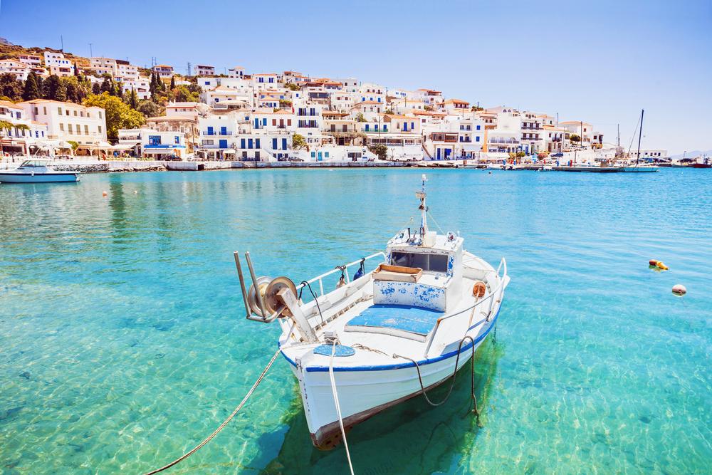 Beautiful view at Batsi village, Andros island, Cyclades, Greece | © Kite_rin/Shutterstock