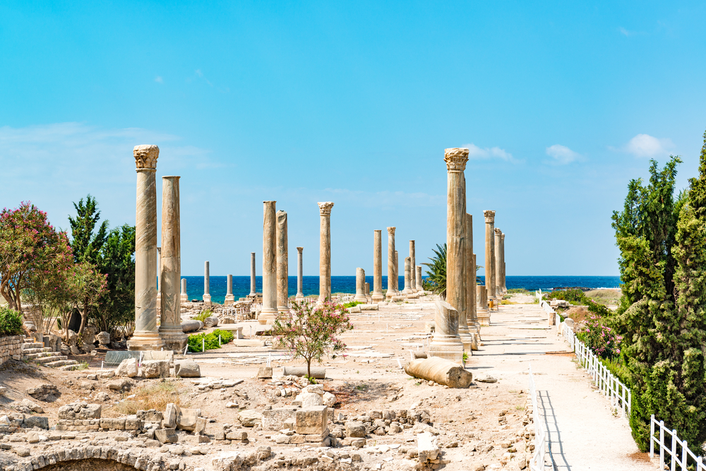 Al Mina archaeological site in Tyre, Lebanon. It is located about 80 km south of Beirut | © JPRichard / Shutterstock
