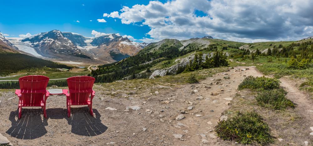 Overlooking Athabasca Glacier | © Kelly Van Dellen / Shutterstock