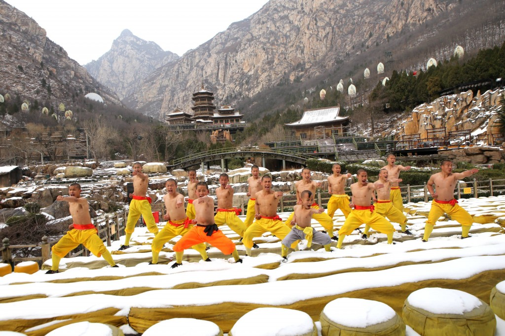 © Sipa Asia/REX/Shutterstock (8422527p) Monks practice Kung Fu in snow at Shaolin Monastery in Song Mountain Dengfeng, central China's Henan Province. The Monks of Shaolin Temple practice Kung Fu every day regardless of the weather. The youngest is just 6 years old. Monks practice Kung Fu in the snow, Shaolin Monastery, Dengfeng, central China - 22 Feb 2017