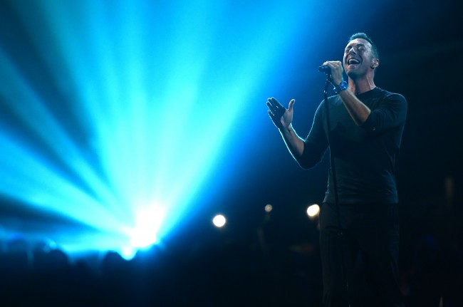 Chris Martin delivered a touching tribute | ©David Fisher/REX/Shutterstock