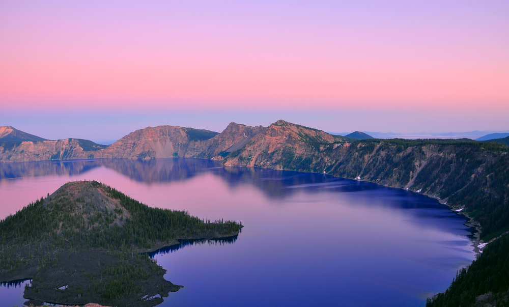 Crater Lake National Park © Sahani Photography / Shutterstock