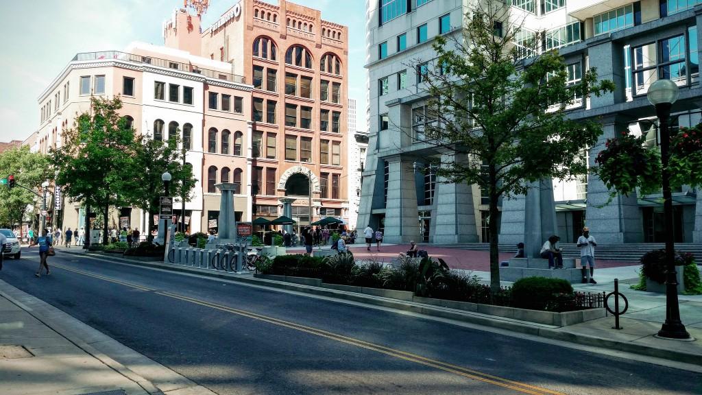 downtown Nashville / (c) Shane Raynor / Flickr