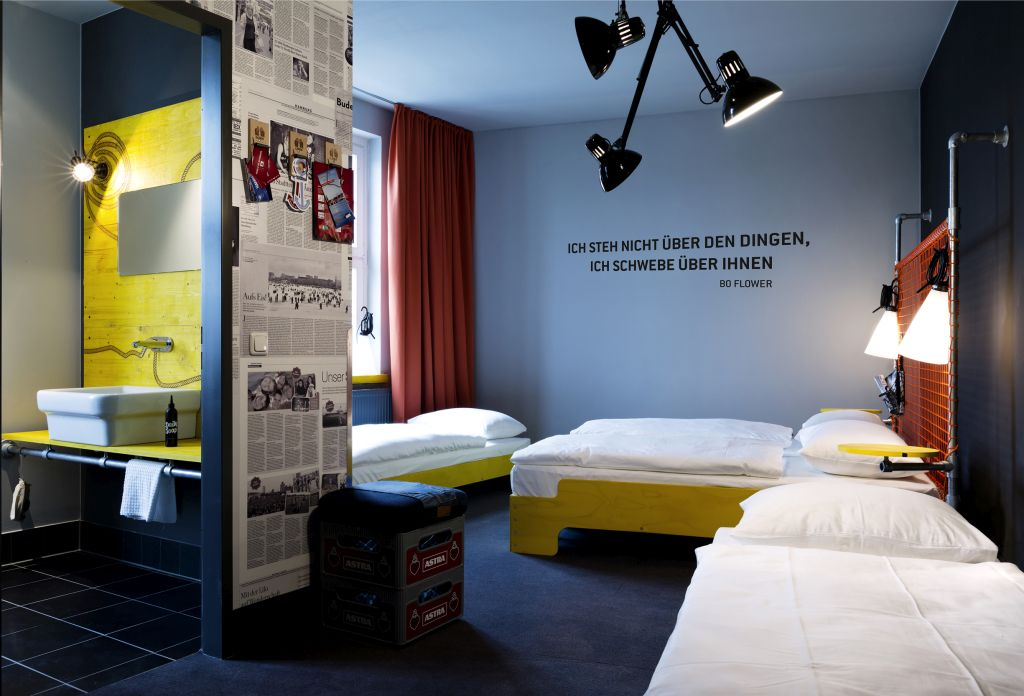the best budget hotels in hamburg. Black Bedroom Furniture Sets. Home Design Ideas