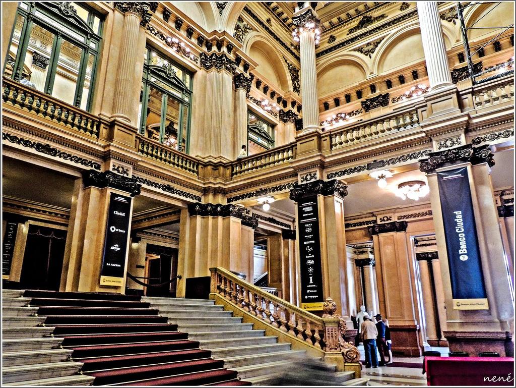 Grand staircase of Teotro Colon   © Nene Reguera / Flickr