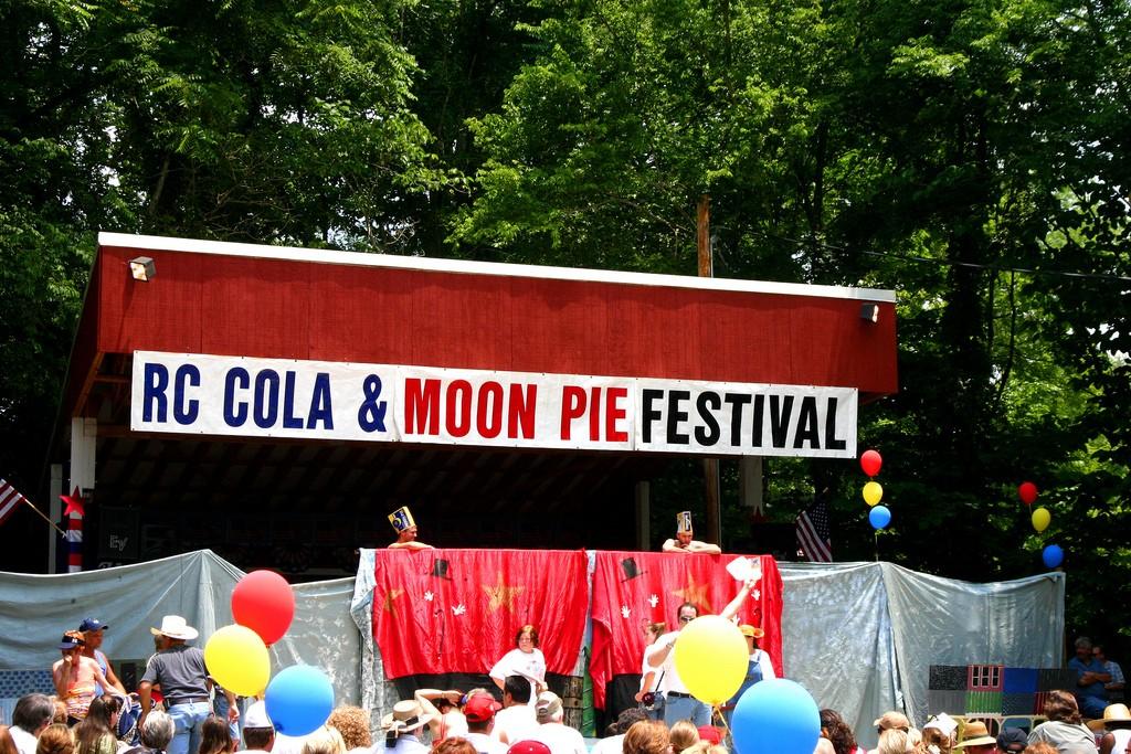 RC Cola & Moon Pie Festival / (c) Alison Groves / Flickr