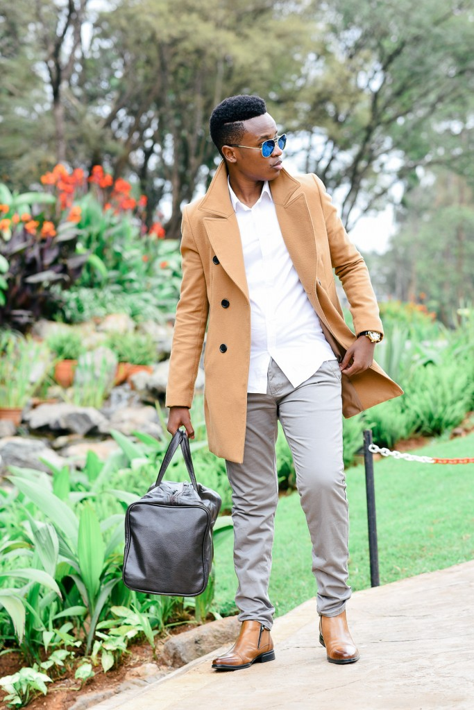 Accessorising an outfit with a caramel coat | Courtesy of The Dapper Brother