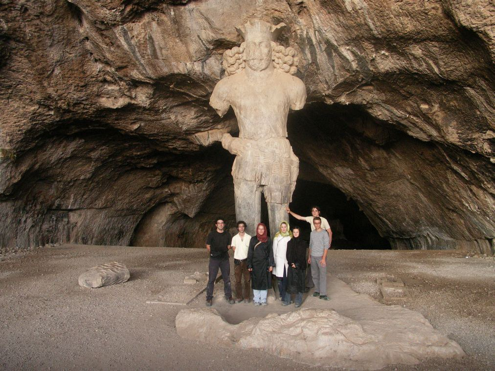 The colossal Shapur I   © Wiki-in-basel / Wikimedia Commons