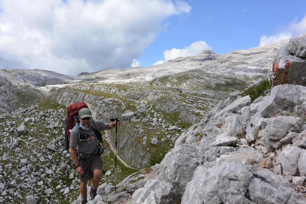 Trekking, Pederu, Dolomites, Italian Alps | © Huw Kingston