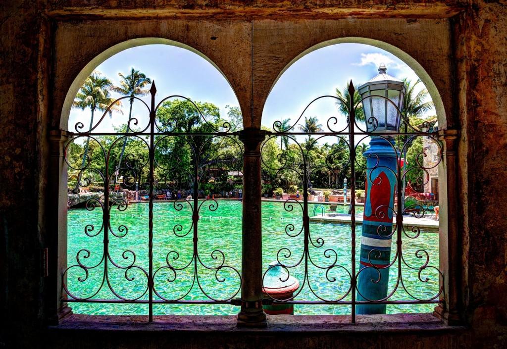 Window to Venetian Pool | © Lima Pix / Flickr