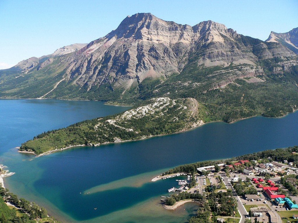 Waterton Views from Bear's Hump | © Lee Coursey / Flickr