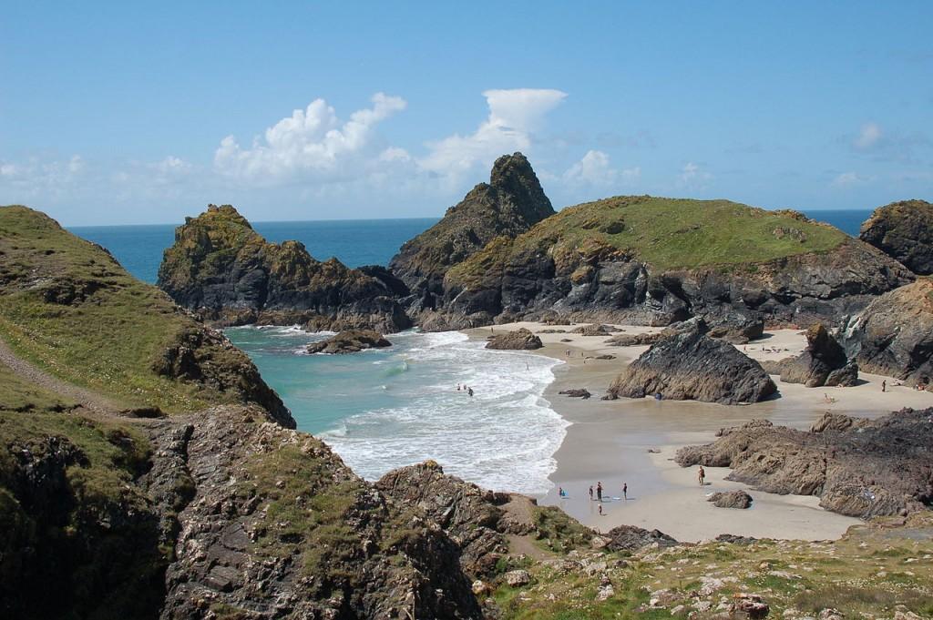 Kynance Cove ©Andy Wright / Wikimedia UK