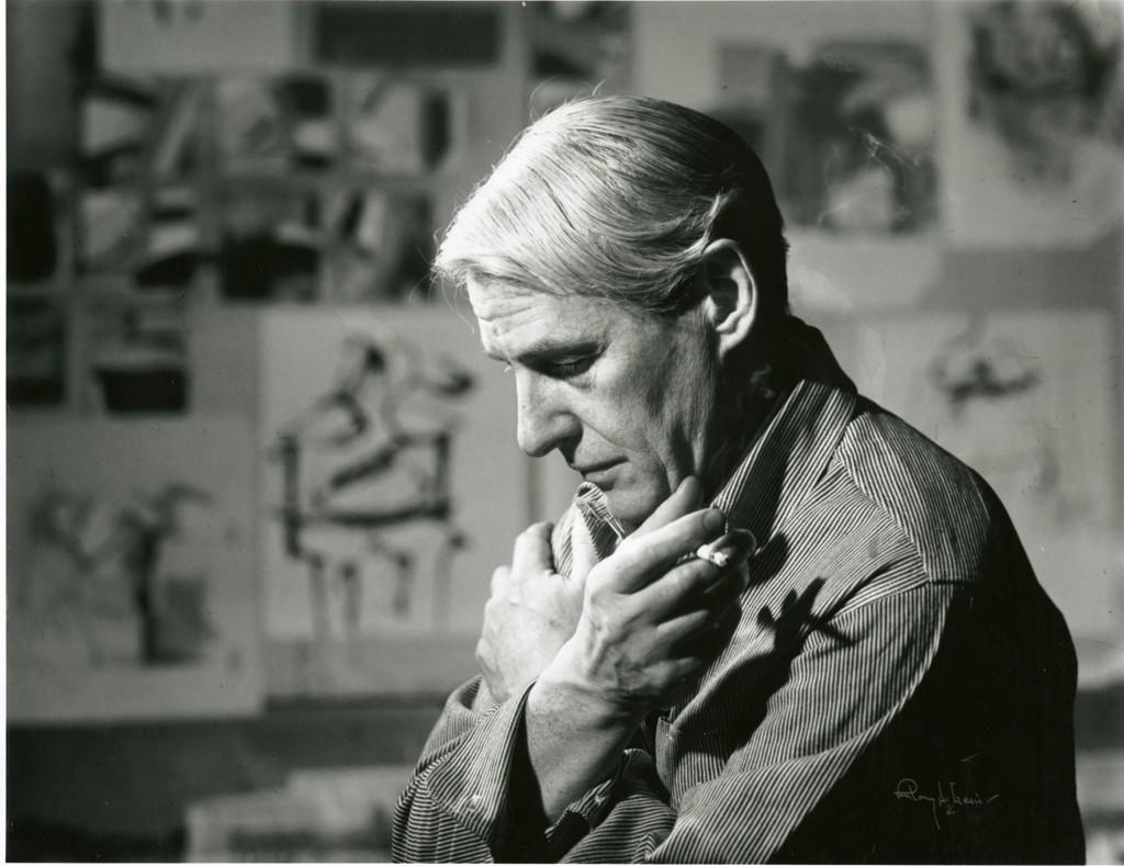 Willem de Kooning in his studio. Courtesy of WikiCommons