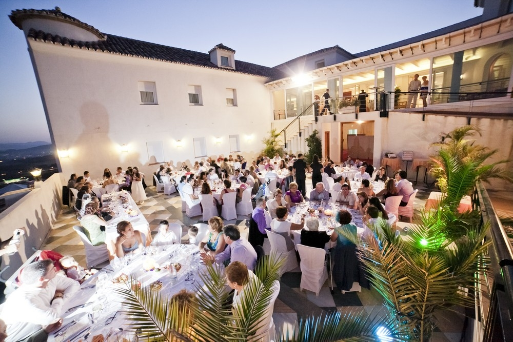 Luxury dining in the countryside at Guadalupe Malaga; courtesy of Hotel Guadalupe, Malaga