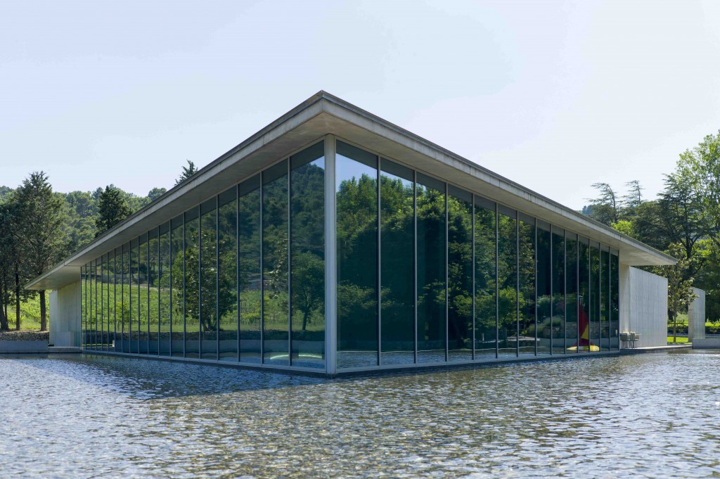 The Tadao Ando arts centre is the main focus upon arrival, hiding the underground car park with a large infinity pool and housing the restaurant, welcome centre and shop | © Andrew Pattman