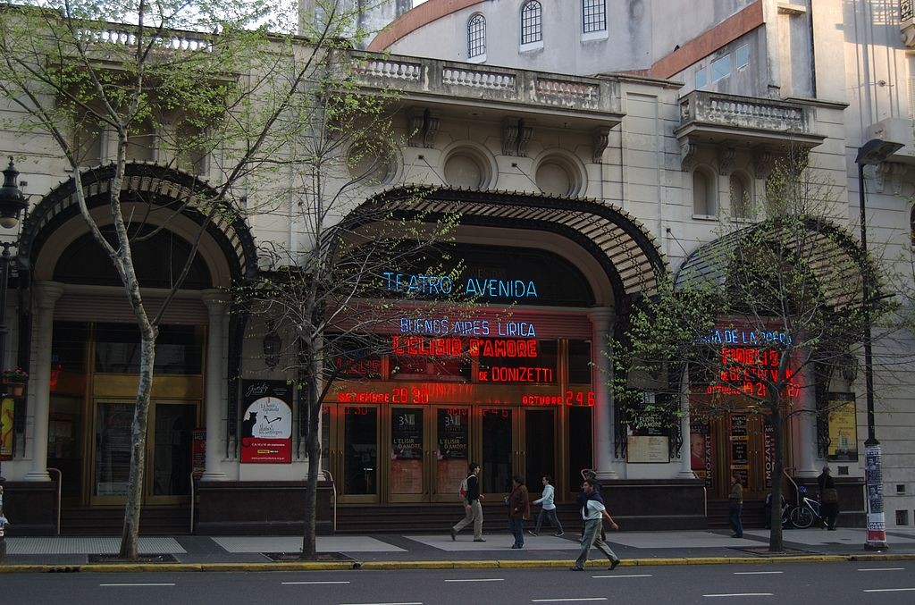 Teatro Avenida | © Beatrice Murch/Wikipedia