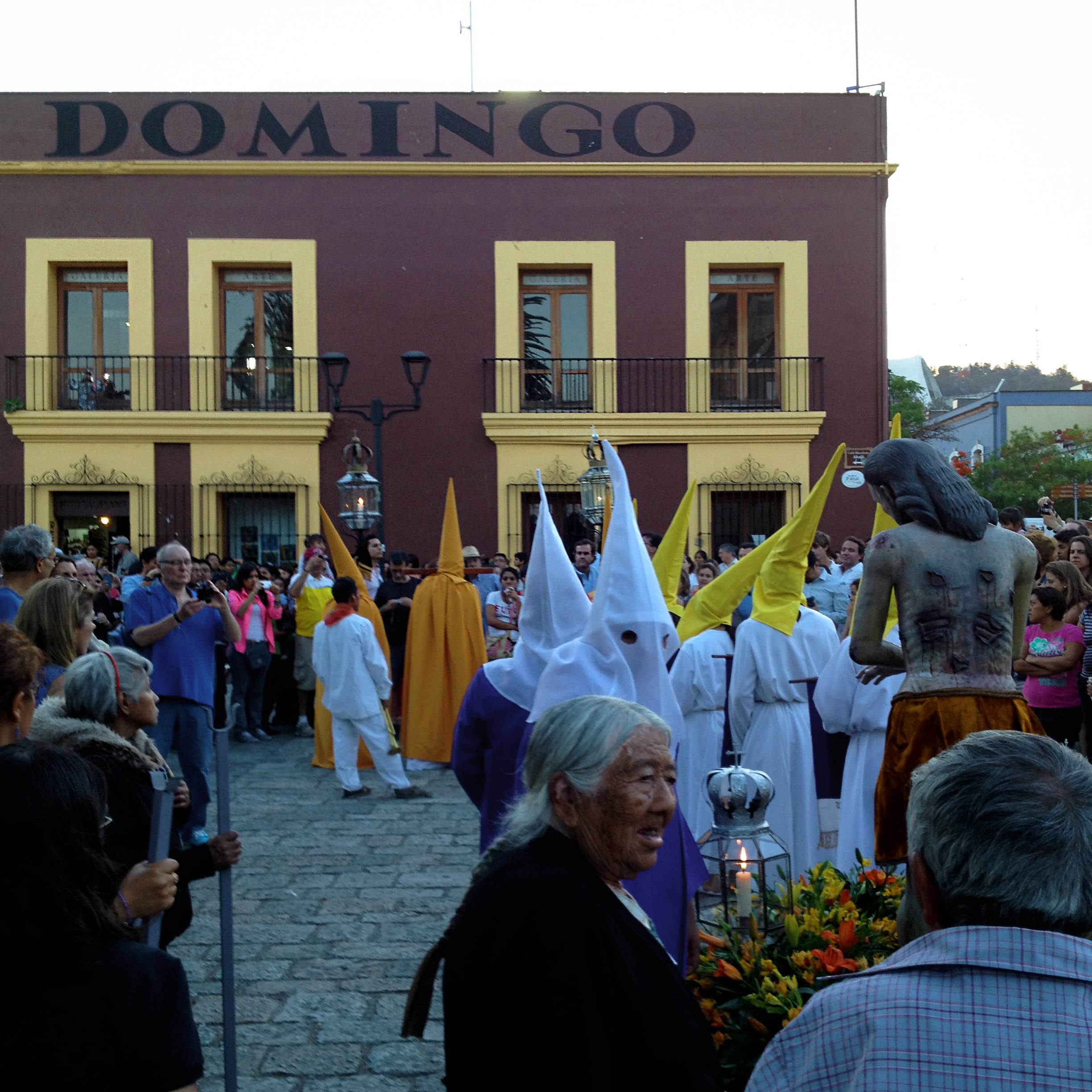 Traditional Easter parades in Oaxaca State | © rey perezoso/Flickr