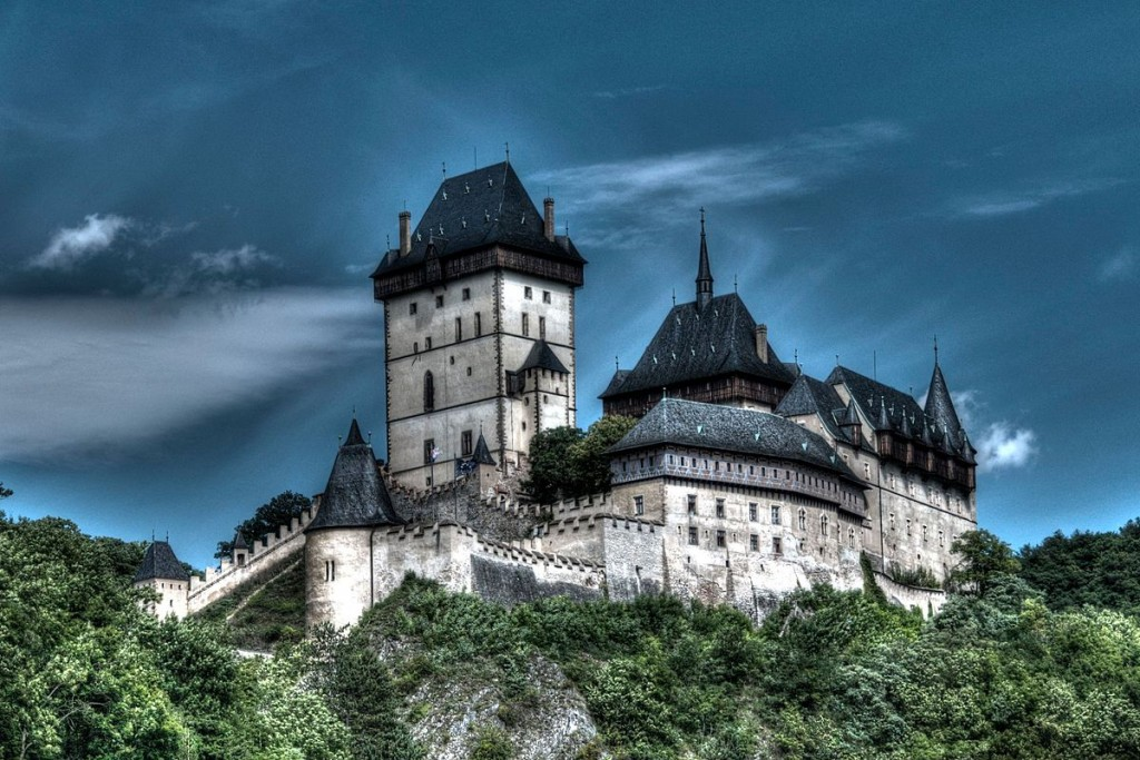 The castle looks magical any time of the year | ©Lukáš Kalista / Wikimedia Commons