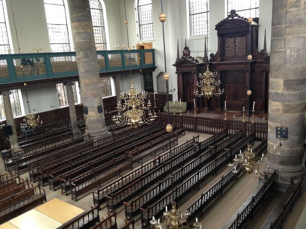 Inside the Portuguese Synagogue | © Chajm Guski / WikiCommons