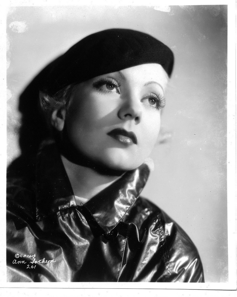 The US actress Ann Sothern channelling French glamour in the 1940s wearing a beret | © delius98/flickr
