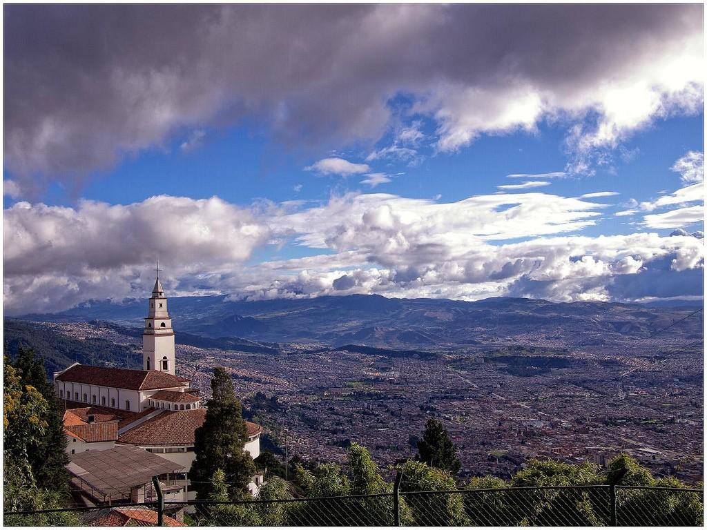 Bogota's Famous Monserrate © Juan Carlos Pachon / Flickr