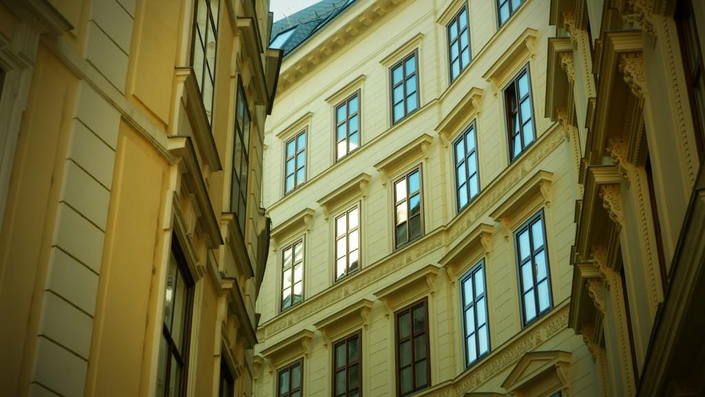Curving street in Vienna | © Ștefan Jurcă / Flickr