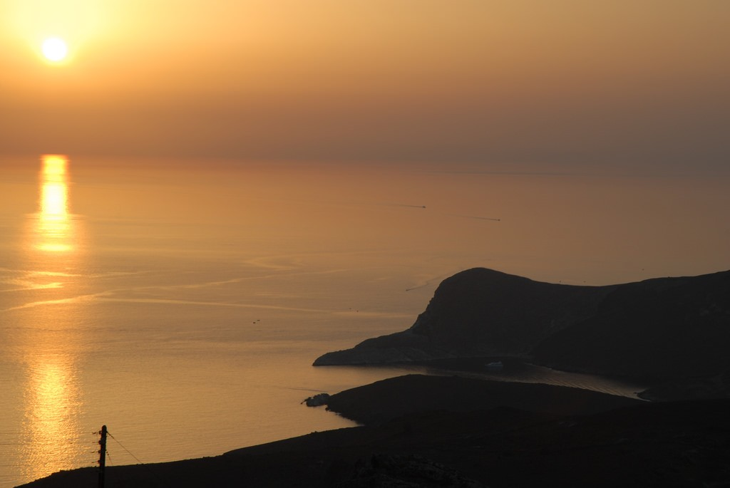 Stunning sunset in Syros | © Kostas Limitsios / Flickr