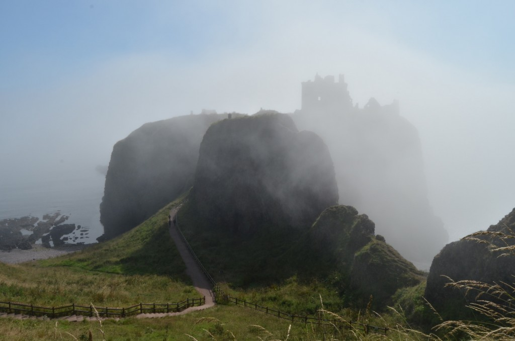 Dunnottar Castle in the Haar | © leva Haa/Flickr